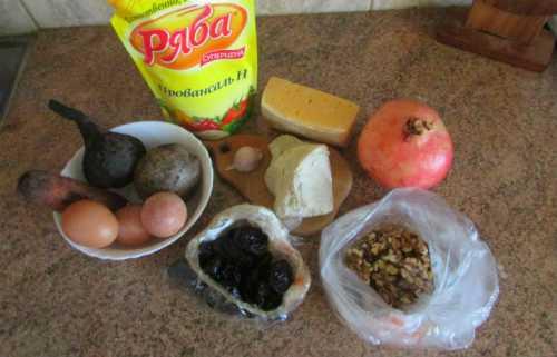 салат из вареной свеклы: польза и вред продукта, а также оригинальные рецепты